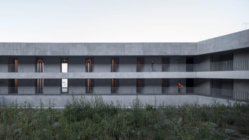arquitectura_y_empresa_cab-architectes_institut de la mer_corredores 2
