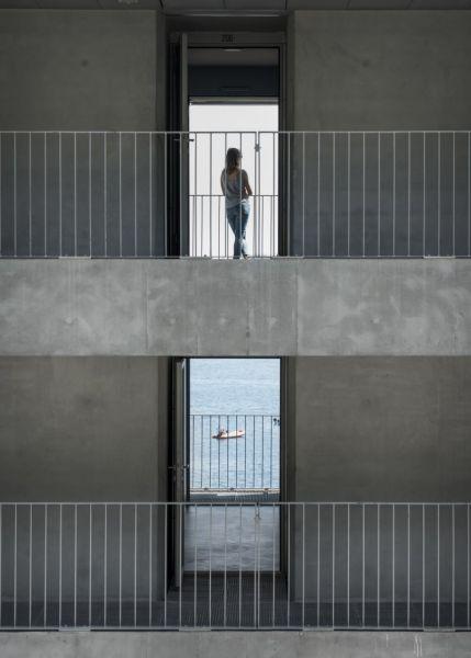 arquitectura_y_empresa_cab-architectes_institut de la mer_balcón