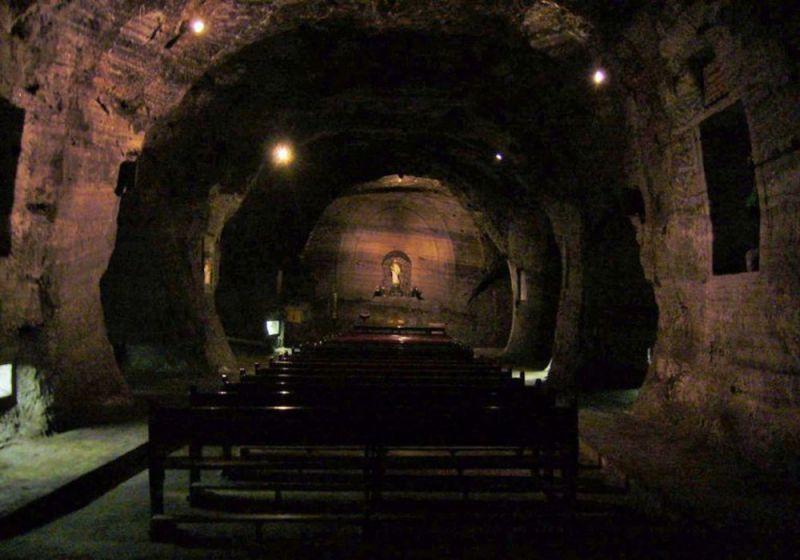 Capilla dentro de la Catedral de Sal / Fotografía de Vagabundler
