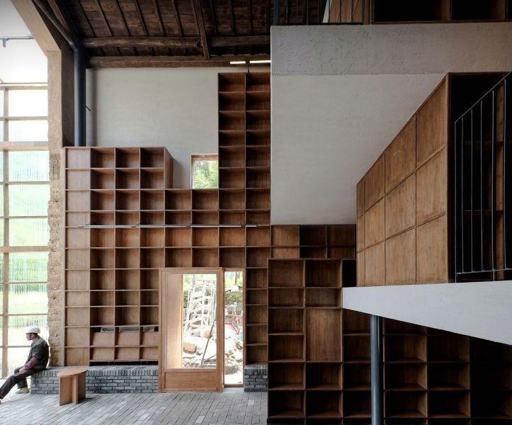 arquitectura_y_empresa_Capsule Hotel_biblio det