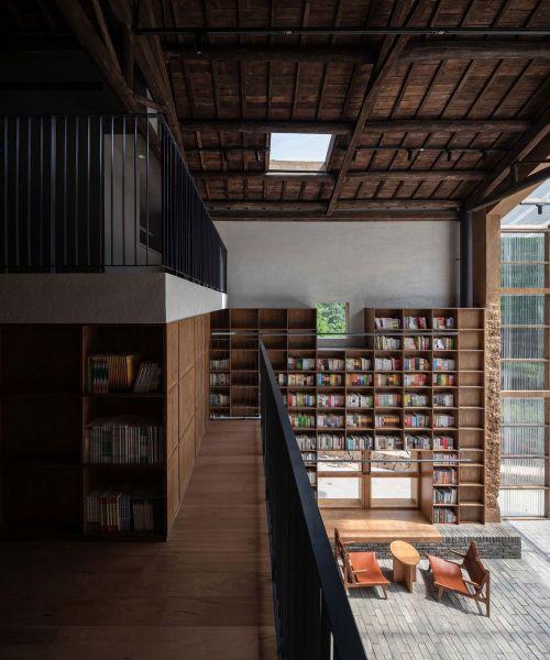 arquitectura_y_empresa_Capsule Hotel_lucernarios