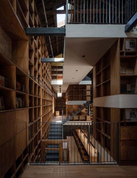 arquitectura_y_empresa_Capsule Hotel_niveles conexión