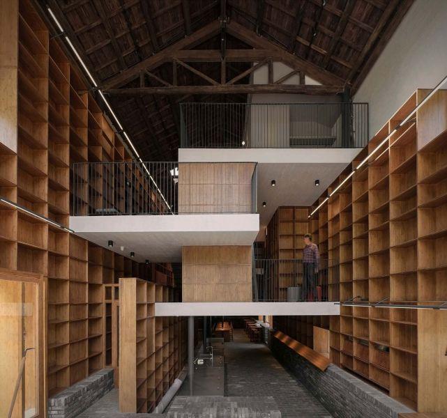 arquitectura_y_empresa_Capsule Hotel_niveles det