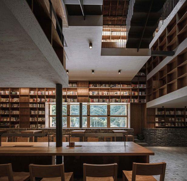 arquitectura_y_empresa_Capsule Hotel_sala estudio
