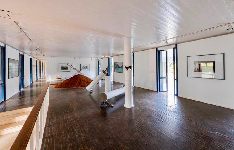 interior de Casa colonial Niemeyer_ sala de exposiciones