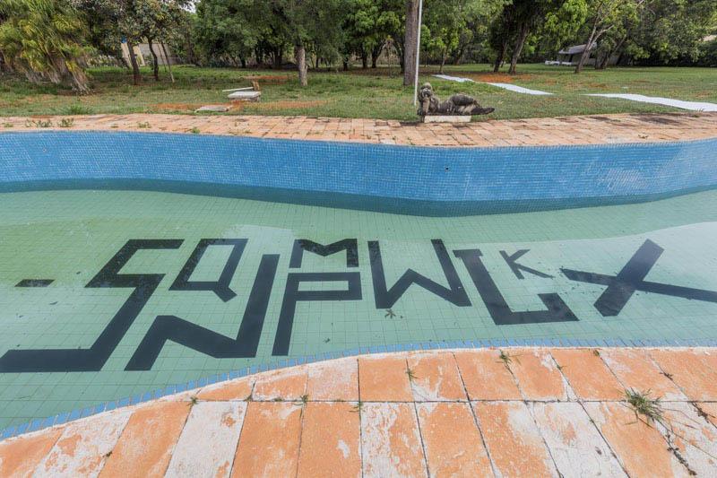 Arquitectura y Empresa_ Casa colonial Niemeyer_ imagen de la piscina