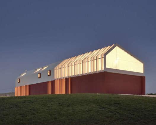 arquitectura_y_empresa_casa di confine_extremo_imagen nocturna