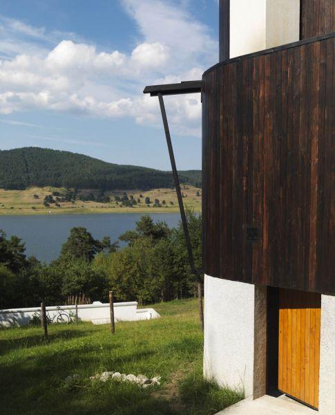 Casa en el  lago de Batak  _acceso
