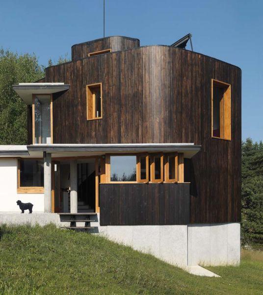 casa lago Batak_ fachada lateral