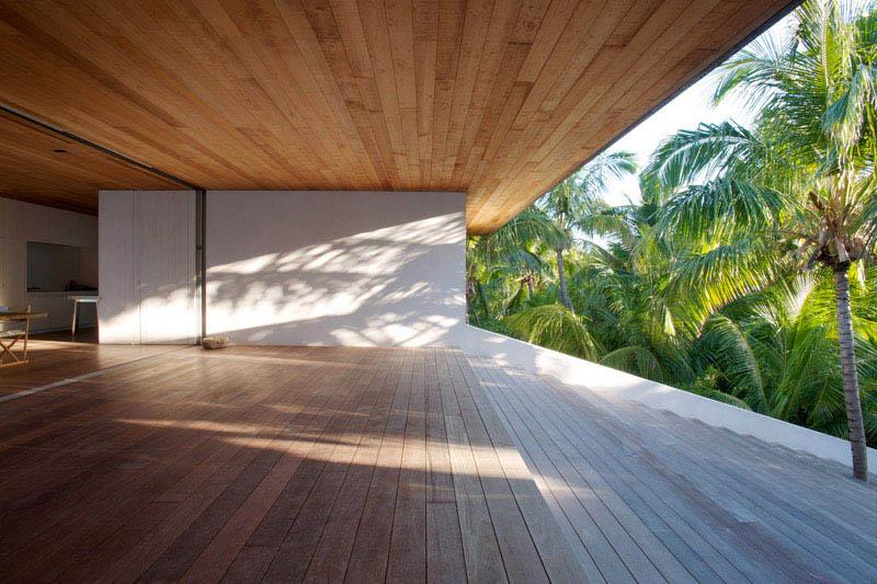 imagen de cerramiento de cristal y falso techo _ casa en las dunas_Bahamas