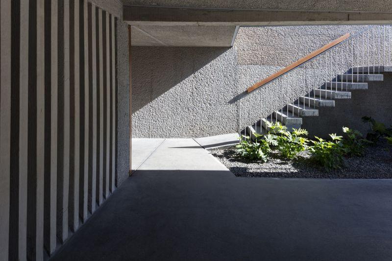 arquitectura casa mama equipo olivares vista exterior escalera garaje