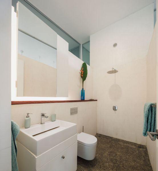 arquitectura y empresa_casa sin huella_baño