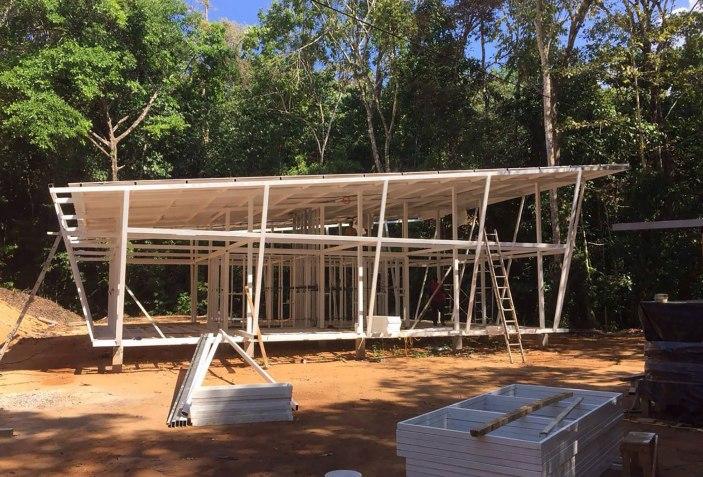 arquitectura y empresa_casa sin huella_construcción