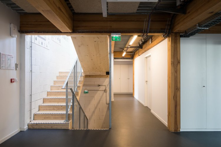 arquitectura_y_empresa_CAUE_ escalera