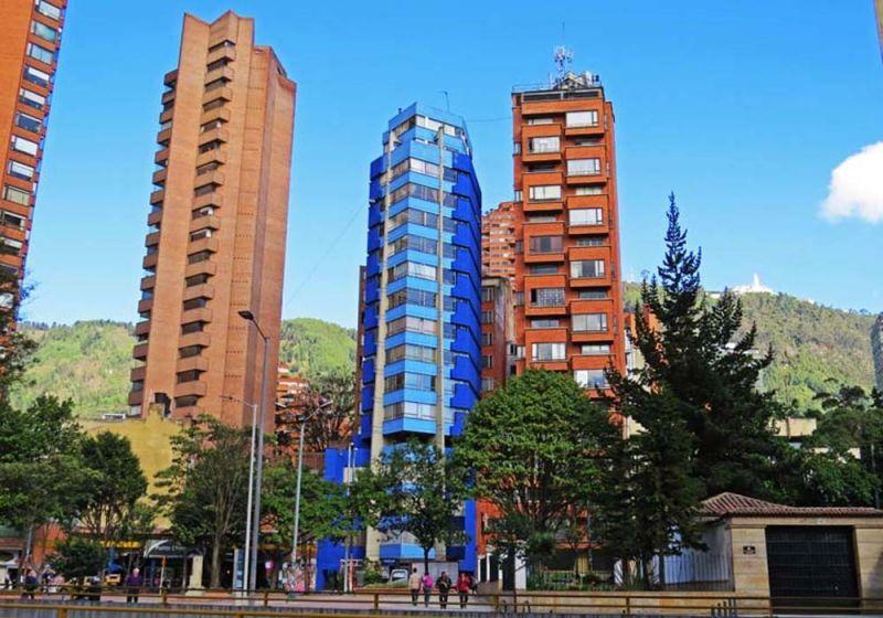 Fotografía del Centro Internacional de Bogotá D.C. Plazoletas y edificaciones en altura.