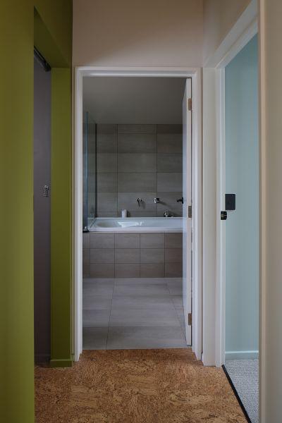 arquitectura_y_empresa_chen anselmi units_baño