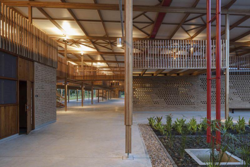 arquitectura y empresa_children village_muros