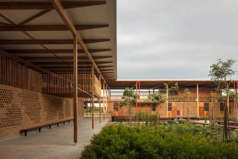 arquitectura y empresa_children village_vuelo cubierta