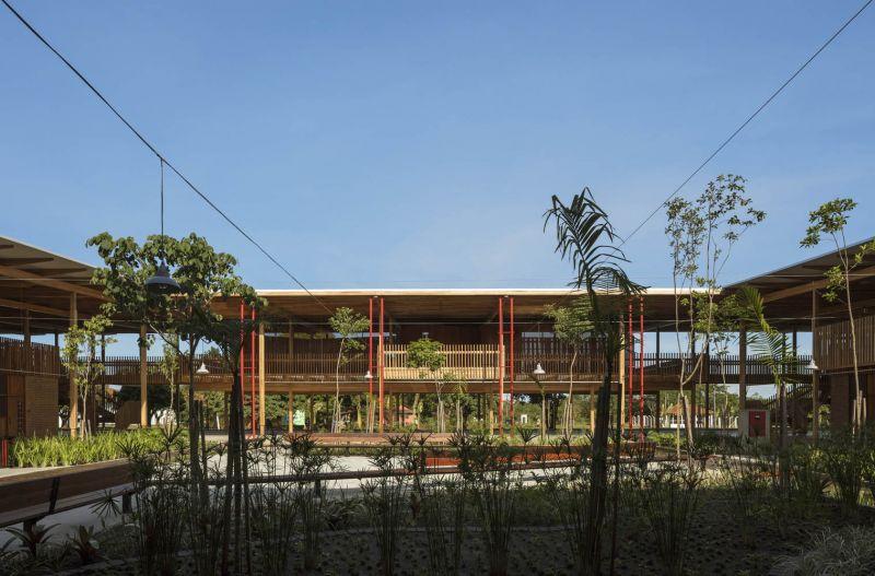 arquitectura y empresa_children village_patio