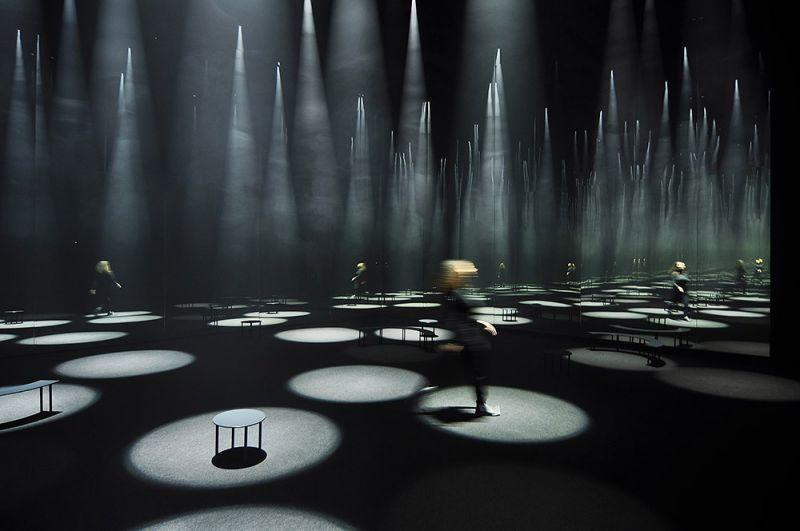 Cinema/Teatro Arti, Fuorisalone, Milan. Bosque de luz. 2016. Sou Fujimoto