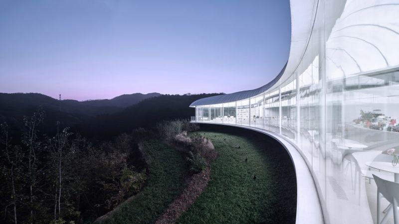 arquitectura_y_empresa_cluod like pavilion_cerramiento vidrio