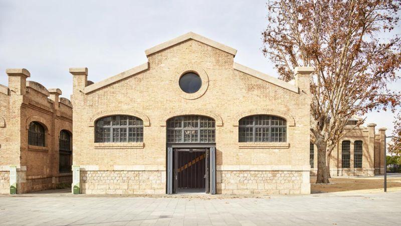 arquitectura nave 3 parque central contell-martinez foto fachada