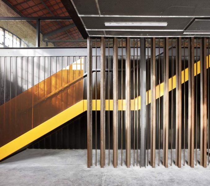 arquitectura nave 3 parque central contell-martinez foto acceso escaleras