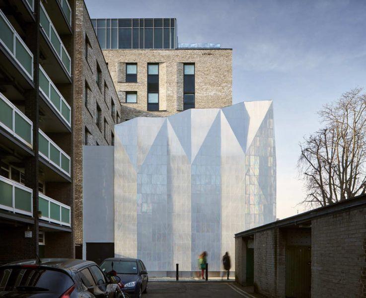 arquitectura cor asociados arquitectos foto iridescent tile jestico southwark town hall