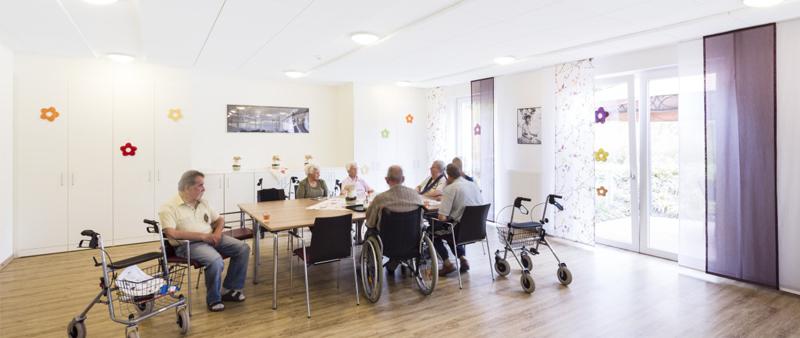 Arquitectura y Empresa, Ecophon Saint-Gobain, audición, ruido, edad, ancianos, personas mayores, tercera edad, discapacidad auditiva, presbiacusia,  demencia, acústica, materiales de construcción, aislamiento acústico