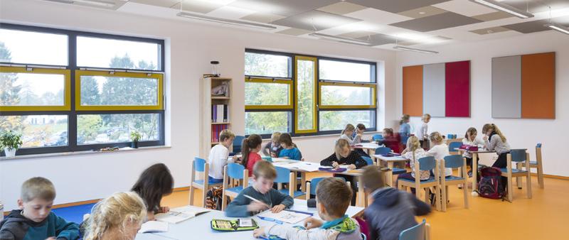 Arquitectura y Empresa, Ecophon Saint-Gobain, aislamiento acústico, diseño aulas, colegio, enseñanza, clase, niños, educación, diseño acústico