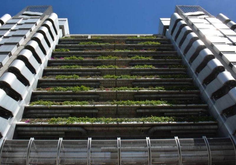 Fachada verde del Edificio Inteligente de las Empresas Públicas de Medellín