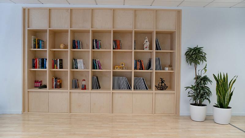 Arquitectura y Empresa, proyecto de renovación, oficinas, Grecia, elSTUDIO, Lama Pictures, Orfium, espacios diáfanos, concepto abierto, interacción, diseño interior, interiorismo, minimalista, sencillo, espacio interior, espacios de trabajo, Atenas