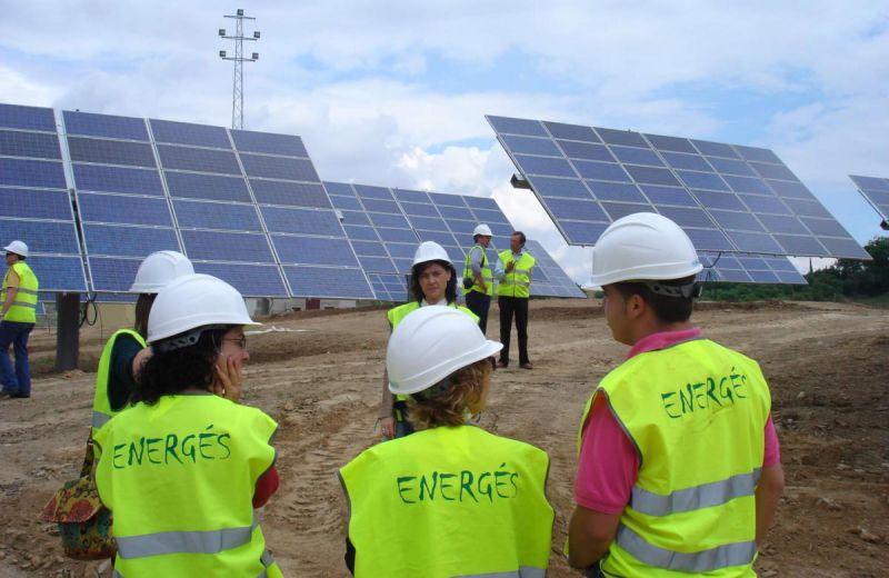 ARQUITECTURA energés panel fotovoltaico trabajadores