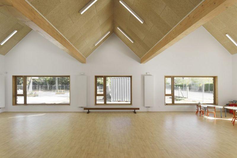 arquitectura_y_empresa_escuela materna_stra madera int