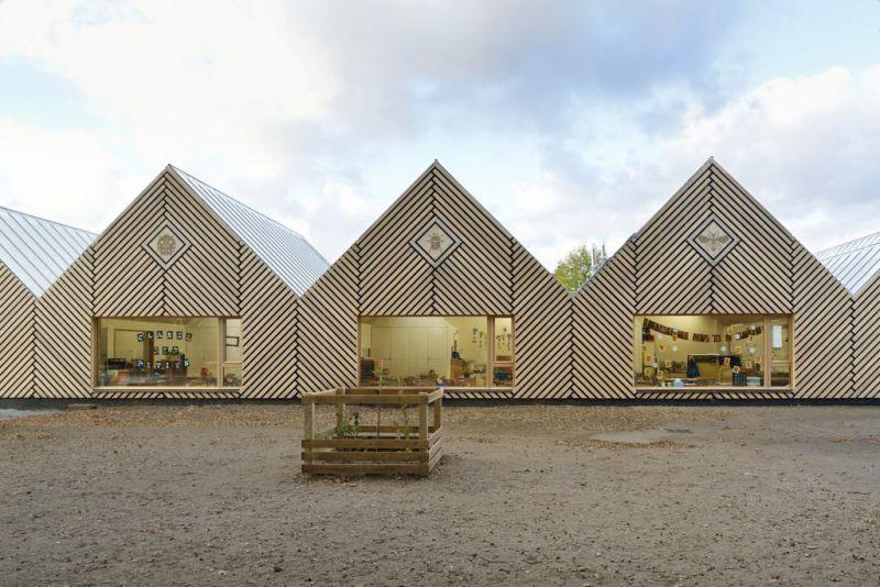 arquitectura_y_empresa_escuela materna_ventanas aulas