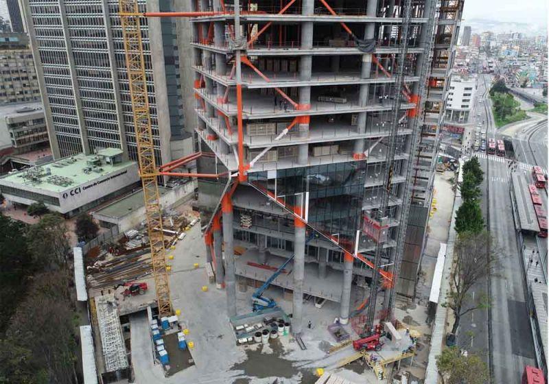 Fotografía estructura del edificio ATRIO.