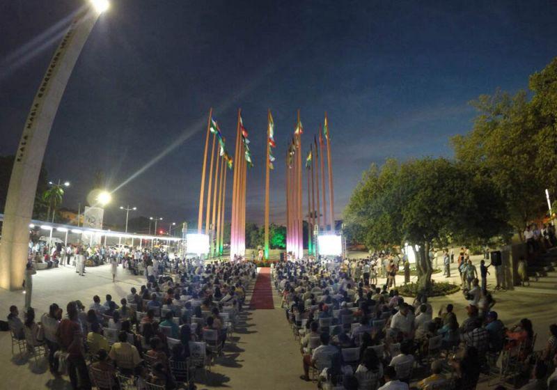 Evento cívico plaza de la Gobernación del César