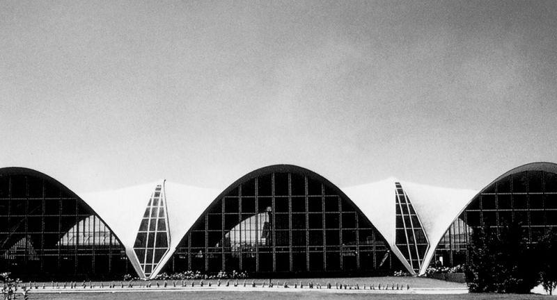 arquitectura_y_empresa_fachada_lateral_Planta_Bacardí