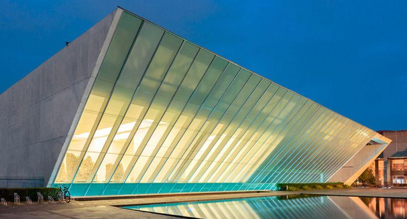 arquitectura_y_empresa_fachada_museo_universitario