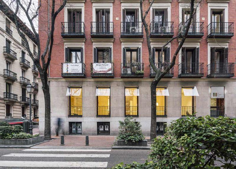 arquitectura FRPO Rodriguez & Oriol Espacio Encuentro fotografia exterior calle esquina