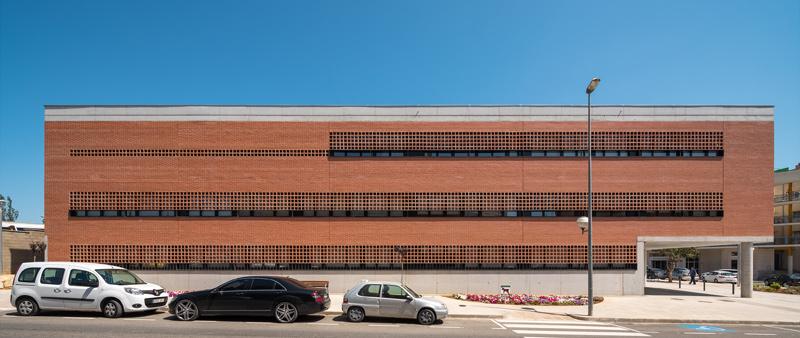 Arquitectura y Empresa, FSB, PMMT Arquitectura, Centro de Salud de Amposta, centro de salud primaria, sanidad, España, arquitectura española, herrajes puertas, diseño, design