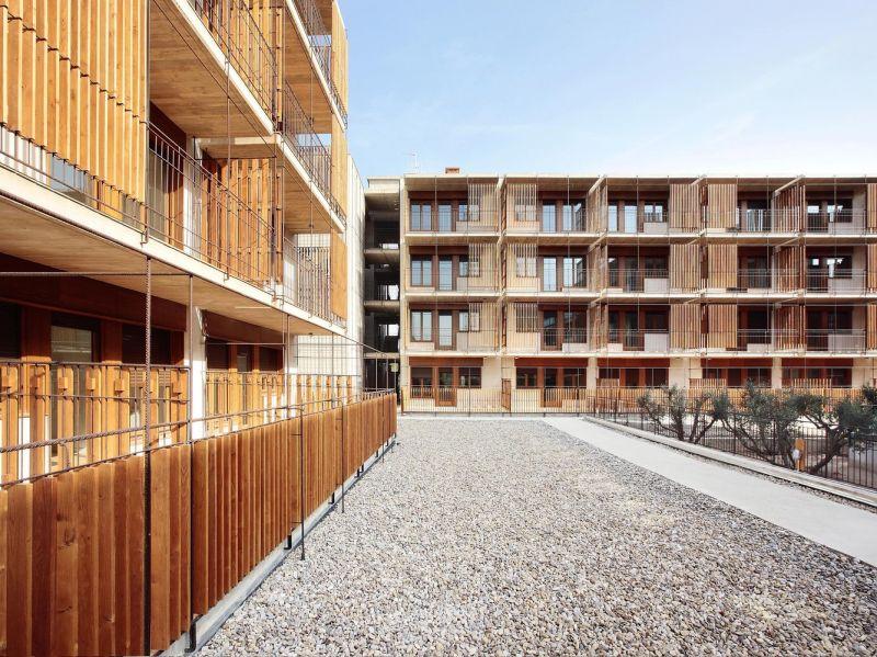 80 viviendas VPO Toni Gironès - Alzado con lamas de madera