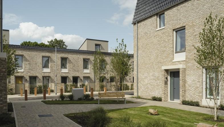 arquitectura_y_empresa_Goldmith Street_jardín