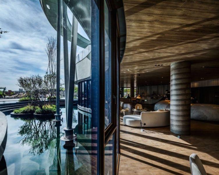 Edificio comunitario - arquitectura_y_empresa_Green Places Community Clubhouse_cerramiento vidrio