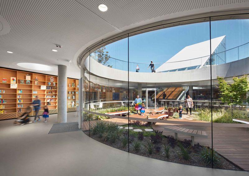 arquitectura_y_empresa_GreenSquareLibrary_patio