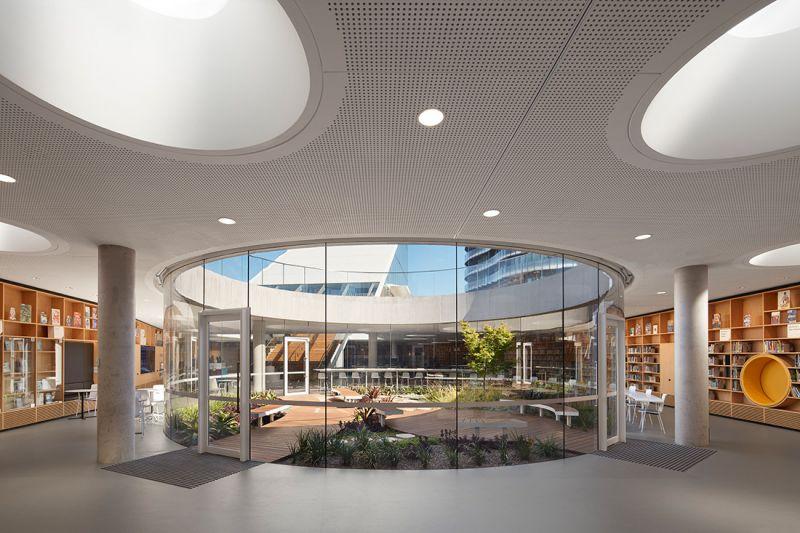 arquitectura_y_empresa_GreenSquareLibrary_estantería