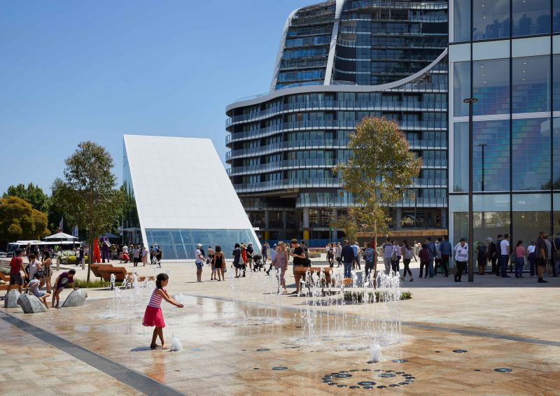 arquitectura_y_empresa_GreenSquareLibrary_plaza det