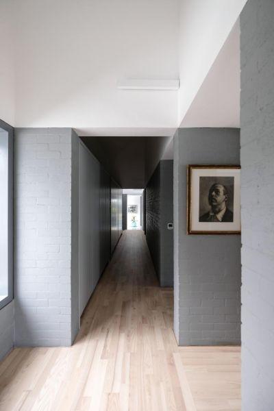 arquitectura_y_empresa_house-lessans_acceso corredor