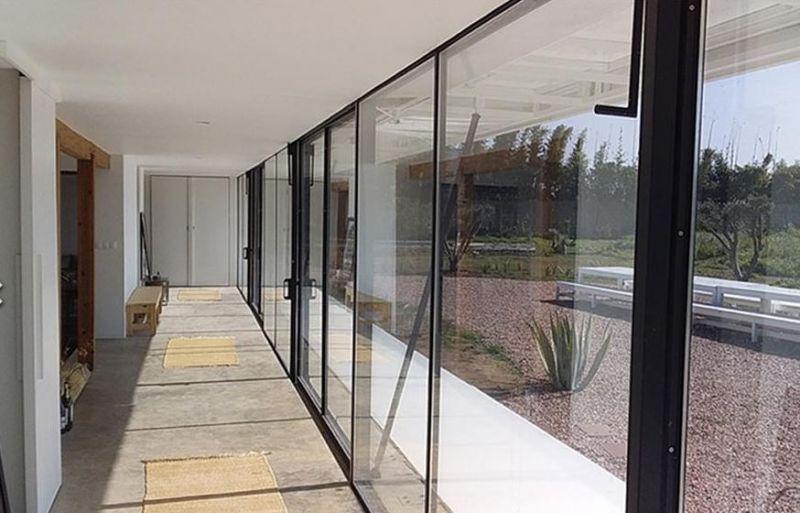 arquitectura_y_empresa_House B_cerramiento vidrio