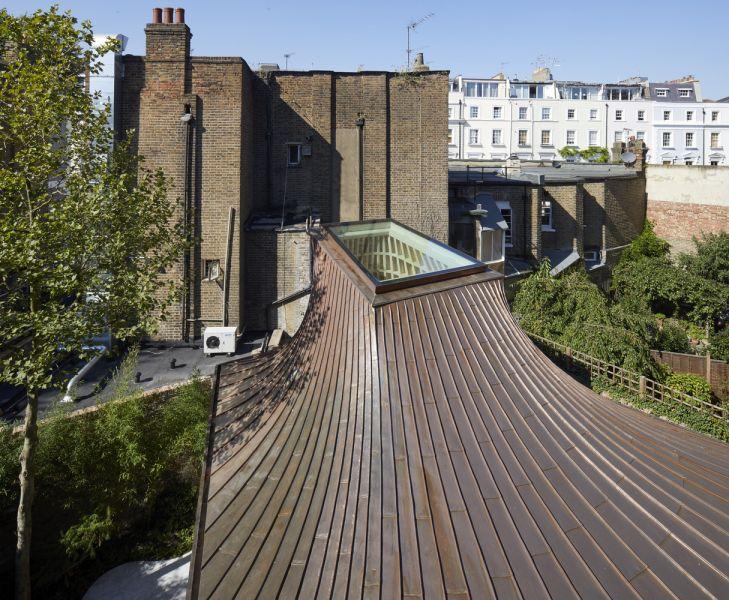 arquitectura y empresa_House_in_a_garden_techo det